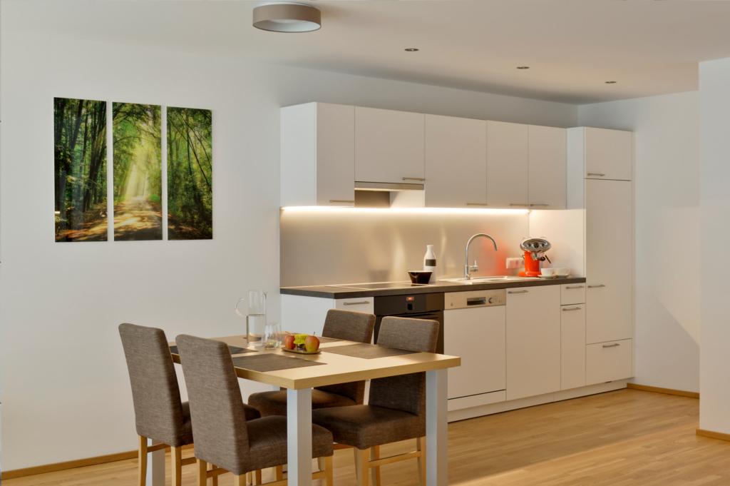 wohnen-dornbirn.at | Küche und Essbereich im Studio Apartement